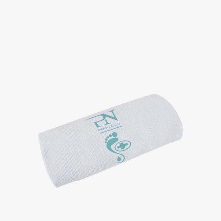 Toalha de pedicure muito suave. Com esta toalha, seque os pés da sua cliente enquanto faz a pedicure.